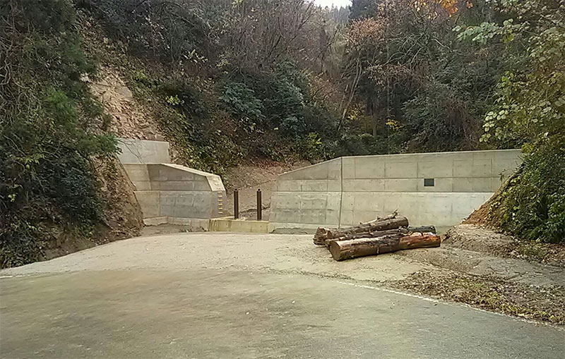 復旧治山 頭川 渓間工事